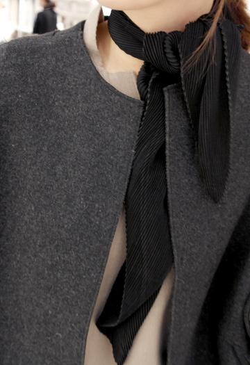 Pleated scarf (black)