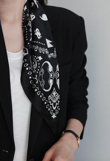 Black pattern scarf