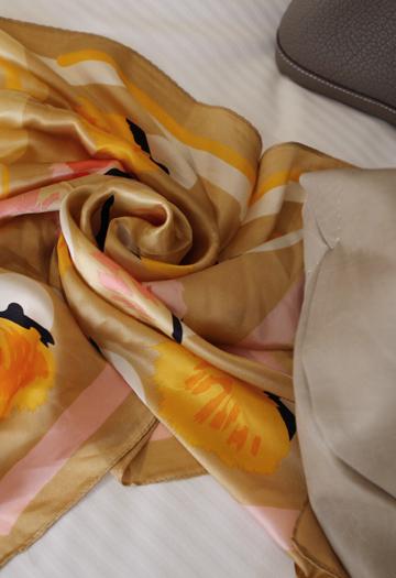 Flame scarves (beige)