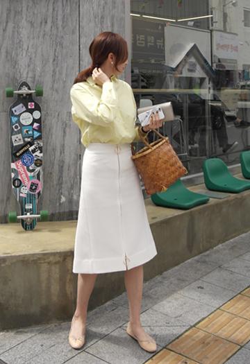 Gold ring zipper skirt