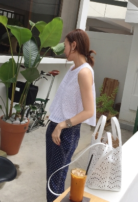 Punching top blouse (2color)