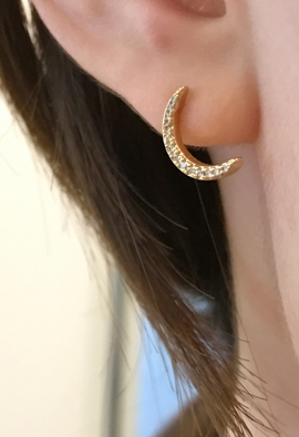Horned moon earring (2color)
