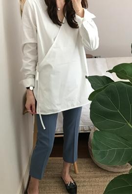Weird me strap blouse (3color)