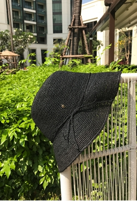 Leaf raphia hat (black)
