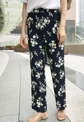 [Back Band] Floral Navy Pants