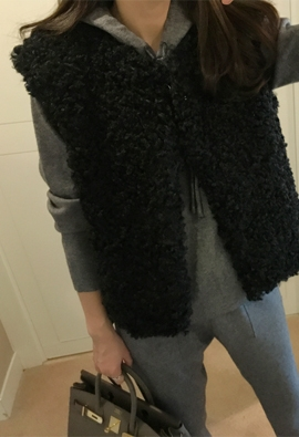 Curly lamb fur vest (black)