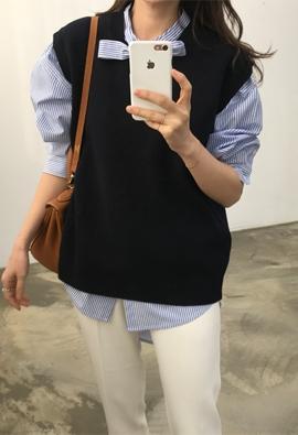Bran knit vest (navy)