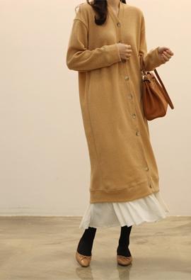 Button cardigan dress (beige)