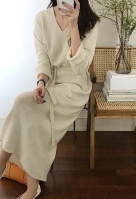 [Wholegarment] [Wool 100] Sena V dress (3color)