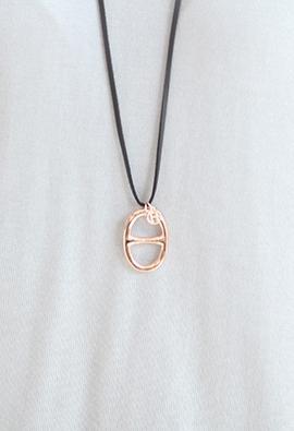 Divide oval N