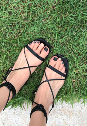 Cross strap sandals (black)