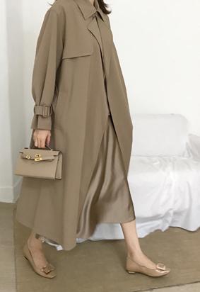 Lock trench coat