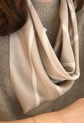 Figure silk scarf (4color)