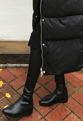 Two tone black boots
