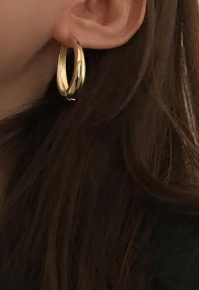 Gold Oval E