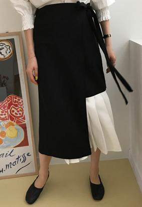 Pleats wrap skirt (black)