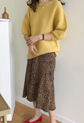 [Back Band] Satin leopard skirt (2color)