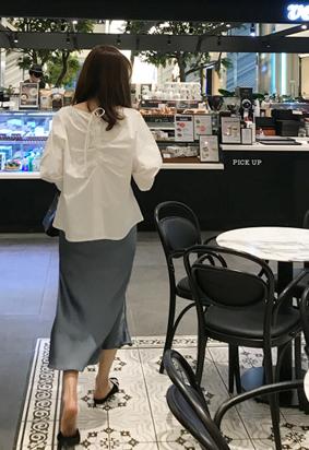 Plait blouse (white)