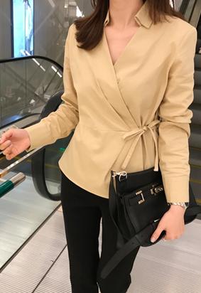 Collar wrap blouse (beige)