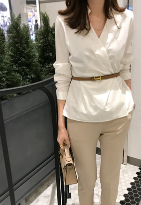 Collar wrap blouse (white)